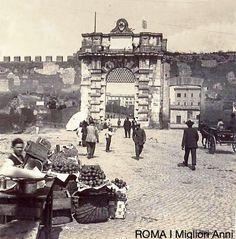 Porta San Giovanni 1895 Old Photos, Vintage Photos, Best Cities In Europe, Marcello Mastroianni, Vintage Italy, Lost City, Grand Tour, Ancient Rome, Sophia Loren