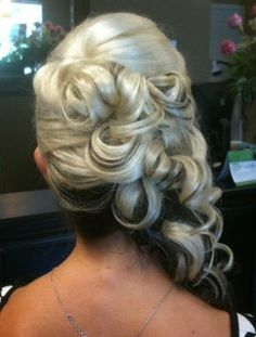 Beautiful!! Pretty wedding hair style with tiara and veil