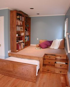 12-raised-platform-pull-out-bed  Use different wood and more pillows.