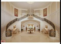 Candy Spelling Mansion sold to Petra Ecclestone==huffingtonpost.com