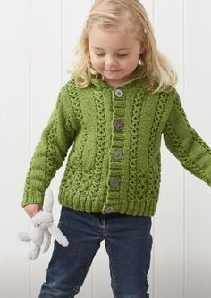 Ravelry: Bodmin hooded cardigan pattern by Sarah Hatton Source by gaynorshw Coat Cardigan Bebe, Knitted Baby Cardigan, Knit Baby Sweaters, Knitted Coat, Hooded Cardigan, Girls Sweaters, Free Baby Sweater Knitting Patterns, Knitting For Kids, Baby Pants Pattern