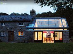 Haus und verglastes wohnzimmer