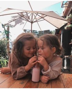 May these memories break our fall on We Heart It – Baby fever – photos Cute Kids, Cute Babies, Baby Kids, Twin Baby Girls, Cute Family, Family Goals, Family Kids, Baby Pictures, Cute Pictures