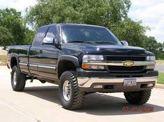 Chevy silverado 1999 lifted with meaty tires