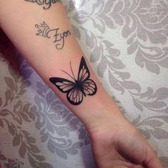 butterflies and flowers tattoo Black - Best Butterfly Tattoos Meanings Ideas An. - butterflies and flowers tattoo Black – Best Butterfly Tattoos Meanings Ideas And Designs – Bes - Finger Tattoos, Leg Tattoos, Black Tattoos, Body Art Tattoos, Tribal Tattoos, Sleeve Tattoos, Tatoos, Mini Tattoos, Trendy Tattoos