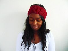 these ear warmers are simple. they do exactly what you need them to do! why you want one: -comes in various colors -easy to match with outfits