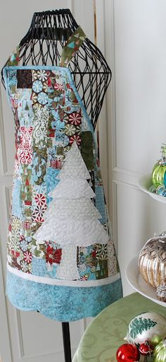 The Pattern Basket: Sew Pretty for the Holidays---Christmas Apron