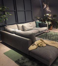 Modulares Sofa #Axel By #GijsPapavoine Und Beistelltisch Zum Mitnehmen #Tor  By #LambieVanHengel