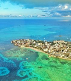 San Andres island Colombia is one of the most beautiful places we have ever visited. Nature Photography Tips, Ocean Photography, Portrait Photography, Wedding Photography, Visit Colombia, Colombia Travel, Easter Island, Travel Memories, Belleza Natural