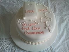 Communion Cakes Wedding Cupcakes, Wedding Cake Toppers, First Holy Communion Cake, Birthday Parties, Birthday Cake, Birthday Ideas, Novelty Cakes, Cake Toppings, Girl Cakes