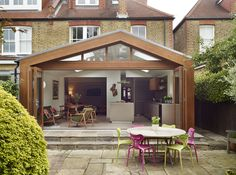 This semidetached house is in the London Borough of Wandsworth. The back of the house had a small kitchen extension and a PVC conservatory which served as a living/dining area. 1930s House Extension, Conservatory Extension, Conservatory Kitchen, House Extension Design, Glass Extension, Roof Extension, Extension Google, Extension Ideas, Kitchen Extension Semi Detached House