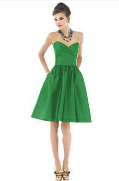 ♡ Green -Bridesmaids Dress with boat neckline ... For wedding ...