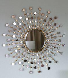 Sunburst mirror tutorial http://roomdecorideas.eu/living-rooms/room-decor-ideas-top-10-mirror-design-for-living-room/ Más