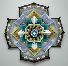 'Ojos de Dios' – Las fantásticas y coloridas mándalas a gran escala tejidas por Jay Mohler | FURIAMAG | Visibilizamos - Inspiramos - Conectamos