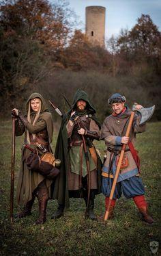 in ctr [:] Char. in ctr [:] Fantasy Inspiration, Character Inspiration, Character Art, Medieval Fashion, Medieval Clothing, Fantasy Armor, Medieval Fantasy, Ranger, Larp