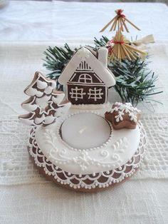 Gingerbread Christmas Decor, Christmas Treats, Winter Christmas, Christmas Decorations, Table Decorations, Christmas Biscuits, Xmas Food, Christmas Fashion, Holiday Cookies