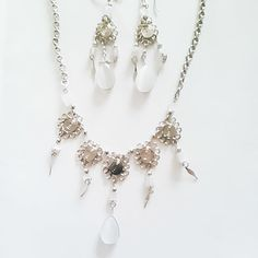 SALE! white agate earring and necklace set  £10.50