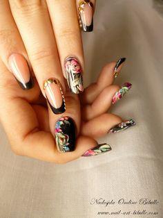 Bibulle Blog Nail Art: Nail art - Noir tissu de fleurs multicolores ! entrainement zhostovo peinture acrylique et détails