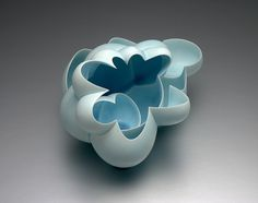 Now what do you think: is this not a fantastic way to put slip casted porcelain elements into exquisite artworks! Ceramic Bowls, Ceramic Pottery, Pottery Art, Abstract Sculpture, Sculpture Art, Sculptures, Modern Ceramics, Contemporary Ceramics, Coil Pots