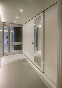 59평 오금동 현대아파트 인테리어[ 옐로플라스틱 /옐로우플라스틱 /yellowplastic ] : 네이버 블로그 House Entrance, Mirror, Bathroom, Frame, Interior, Furniture, Phonics, Home Decor, House