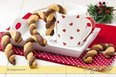 Biscotti di Natale abbracci natalizi. Biscotti troppo carini e buoni da regalare per Natale, servire accanto al tè e cioccolata calda. Ricetta facile