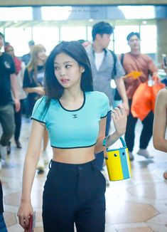 Your source of news on YG's current biggest girl group, BLACKPINK! Kim Jennie, Blackpink Fashion, Korean Fashion, South Korean Women, Kpop Girls, Asian Girl, Outfit Of The Day, Summer Outfits, Sexy Outfits