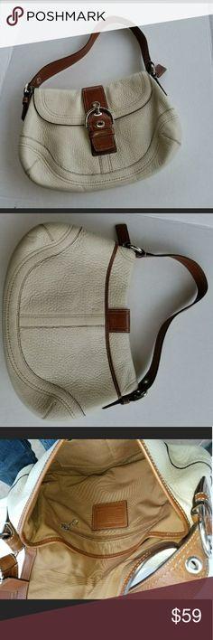 Authentic Coach Large Shoulder Bag 💞 Authentic Cute Coach Bag Large Shoulder Bag Awesome Used Condition Coach Bags Shoulder Bags