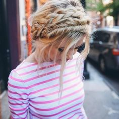 Braid-obsessed NYC blogger Amber Fillerup Clark is the brains and hair behind style and beauty blog Barefoot Blonde and the Instagram account @amberfillerup. #Hairstyles #Beauty