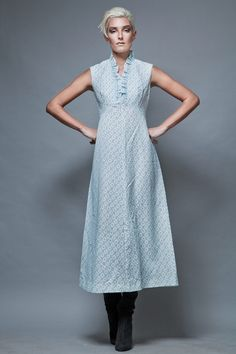 maxi dress eyelet ruffles white blue embroidery vintage 1970's sleeveless M  :