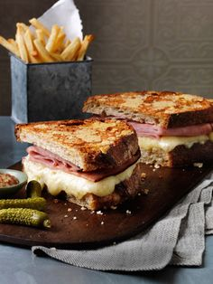 Happy National Grilled Cheese Day! How good does this smoked ham and grilled cheese look?