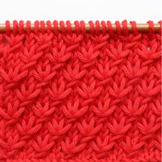 le point d'étoile - the star stitch — trust the mojo Star Stitch, Le Point, Knitting Stitches, Stitch Patterns, Knit Crochet, Rainbow, Crafty, Stars, Inspiration