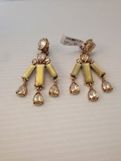 OSCAR DE LA RENTA AUTHENTIC NWT TOPAZ CRYSTAL CHANDELIER EARRINGS. Get the lowest price on OSCAR DE LA RENTA AUTHENTIC NWT TOPAZ CRYSTAL CHANDELIER EARRINGS and other fabulous designer clothing and accessories! Shop Tradesy now