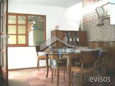 CASA de 3 plantas con 2 viviendas independientes en el mismo padrón - CA ES 006  La propiedad horizontal de tres plantas tiene un ..  http://malvin.evisos.com.uy/se-venden-dos-espacios-definidos-para-dos-familias-id-138322