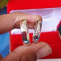 Cincin Kawin Emas Putih | Premium Wedding Ring Specialist | CV. Kotagede Jewellery | Whatsapp/Call : 08783-8822-000 | line : @cincinkawinbagus | BBM : 542B43CE  #cincinkawin #cincinpasangan #cincinkawinperak #cincinkawinpalladium #cincinkawinemas #cincinkawinpalladium #engagementring #cincintunangan #instajewellery #diamondring #fasionring #weddingband #couplering #silverring #goldring #paladiumring #silversmith #solidsilver #handmade #customdesain #kotagedejewellery