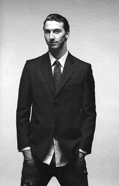 Football in Black and White I Am Zlatan, Ac Milan, Black And White Portraits, Psg, Football Players, Manchester United, Suit Jacket, Soccer, Handsome