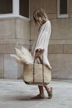 27 Boho Chic Style Outfit That Make You Look Cool - Luxe Fashion New Trends - Fashion for JoJo Estilo Fashion, Look Fashion, Fashion Outfits, Fashion Trends, 2000s Fashion, Travel Outfits, Fashion Hacks, College Fashion, Fashion Quotes