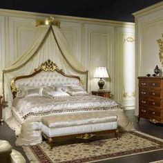 Classic room decor of the collection Louis XV France with carved bed and padded headboard, carved and inlaid furniture Funky Furniture, French Furniture, Classic Furniture, Luxury Furniture, Bedroom Furniture, Furniture Design, Classic Bedroom Decor, Murphy Bed Plans, Home Decor