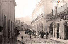 Palacio municipal de Monterrey, Nuevo León (c. 1888).