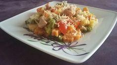 farebné cestoviny s tuniakom Potato Salad, Potatoes, Breakfast, Ethnic Recipes, Food, Morning Coffee, Potato, Essen, Meals