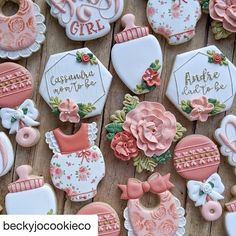 I'm always a hug fan of floral cookies. And this just made me smile. Made by the talented ・・・… – Baby Shower Fancy Cookies, Cute Cookies, Royal Icing Cookies, Sugar Cookies, Pecan Cookies, Heart Cookies, Valentine Cookies, Easter Cookies, Birthday Cupcakes