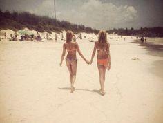 Stylists Isabelle Banham & Ali Dariotis from Wear It My Way on the beach