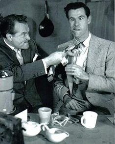 Johnny Carson with Red Skelton in 1951 when Johnny was still a writer for Red Skelton's show Here's Johnny, Johnny Carson, Carl Reiner, Red Skelton, Car Hood Ornaments, Tonight Show, Present Day, Vintage Ads, Nostalgia