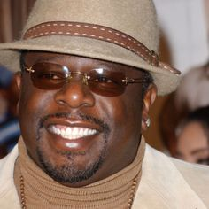 Cedric the Entertainer - sweet shades and hat! Famous Comedians, Funny Comedians, Cedric The Entertainer, Chubby Fashion, Black Actors, Handsome Black Men, Funny People, Funny Men, Watch Tv Shows