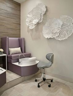 Salons of the Year Champagne Nail Lounge – Awards & Contests – Salon Today - Decoration For Home Home Nail Salon, Hair Salon Interior, Nail Salon Design, Nail Salon Decor, Salon Interior Design, Schönheitssalon Design, Champagne Nails, Pedicure Station, Nail Room