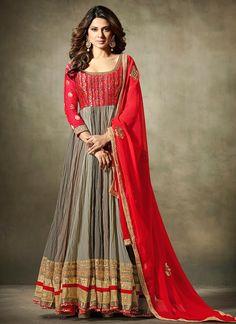 a0e6384de640dd The brilliant attire creates a dramatic canvas with amazing embroidered