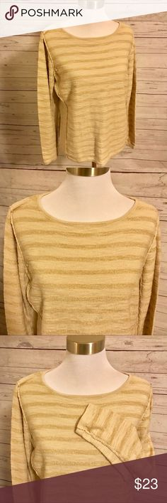 Chico's Gold Tone Striped Top Chico's Gold Tone Striped Top  Like New Size 2 (Large in Chico sizing) Gorgeous ❤️ Chico's Tops