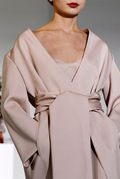 Retro Babe - jeou: MOOD Jil Sander FW12  Blumarine FW15... Date:  June 15, 2016  Notation:  This chic boudoir trend has the x-factor and strings and ribbons tie the knot which add energy to the monotone color.