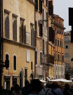 Roma, Via Capranica