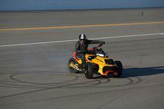 Als Hommage an die kraftvollen NASCAR Rennwagen hat Can-Am den Spyder F3 Turbo Concept entwickelt, ein Paradebeispiel des innovativen BRP-Designs und modernster Technologie in der Verpackung einer …