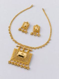 Black Hills Gold Jewelry Latest gold necklace designs - Latest Jewellery Design for Women Black Hills Gold Jewelry, Real Gold Jewelry, Gold Jewelry Simple, Gold Jewellery Design, Silver Jewellery, Quartz Jewelry, Designer Jewelry, Gold Earrings, Gold Necklace
